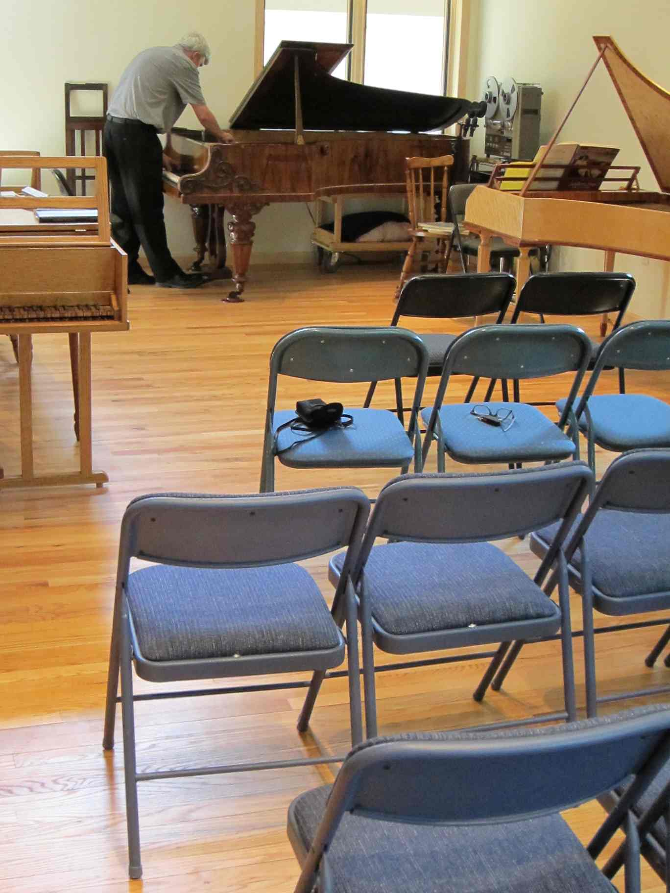 Classical music review house music concerts revive the for Orchestral house music