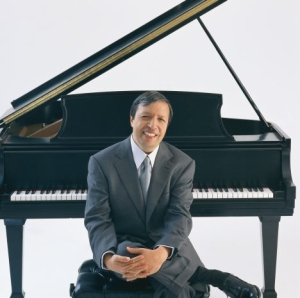 murray perahia at piano