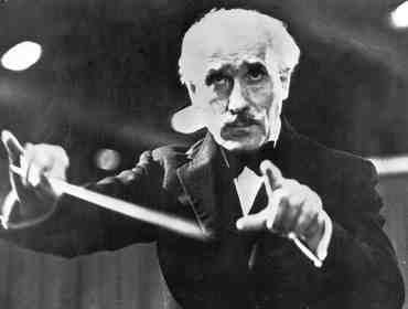 Toscanini Conducts