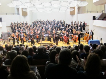 UW Choral Union and Chamber orchestra full view 12-2011