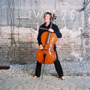 Alban Gerhardt with Cello