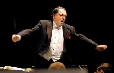 John DeMain conducting 2
