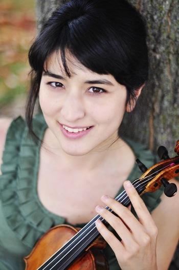 Naha Greenholtz profile