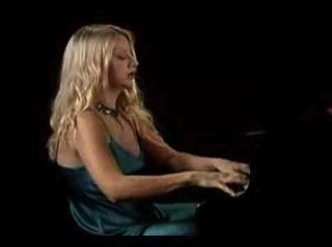 Valentina Lisitsa at keyboard 2