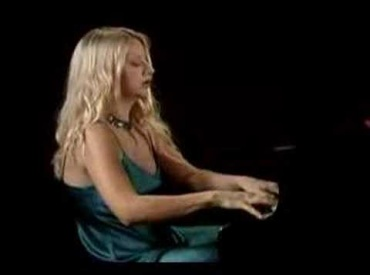 Valentina Lisitsa at keyboard 2