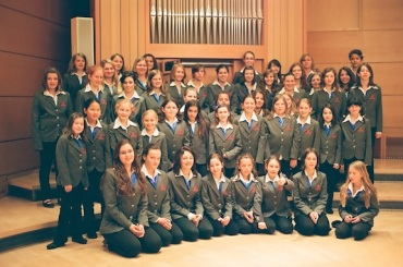 Freiburg Cathedral Girls Choir in Mozart Hall and organ