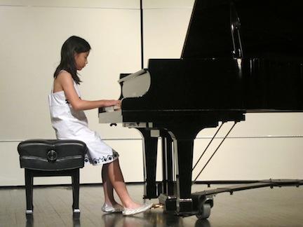 Lutes 12 Maylynn Hu