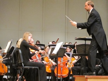 Middleton Community Orchestra Steve Kurr conducting