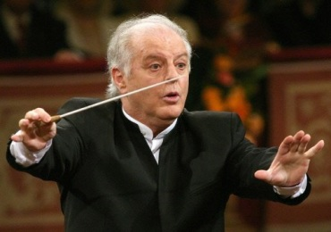 daniel barenboim with baton