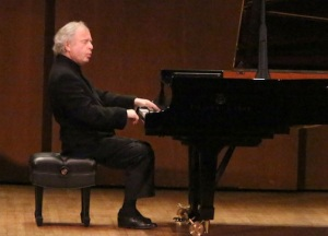 Andras Schiff playing Bach's WTC by menory at 92nd St Y Ruby Washington NY Times