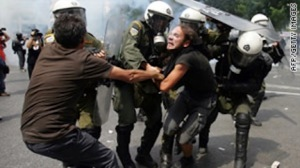 riot protest in Greece 2012