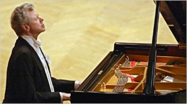 van cliburn playing