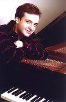 Martin Kasik w piano