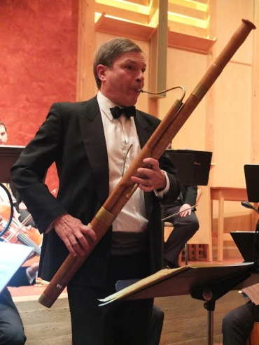 Marc Vallon playing Mozart on bassoon