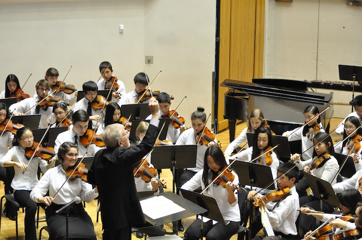 Tom Buchhauser Conducting Philharmonia Jon Harlow