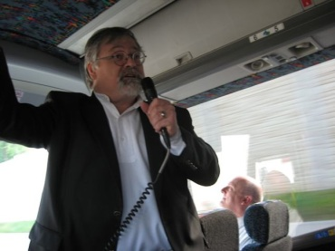 Daron Hagen lectures on fallingwater bus
