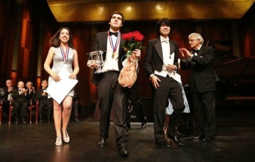 van cliburn 14 3 winners CR Tom Fox Beatrice Rana (silver) of Italy; Vadym Kholodenko (gold) of Urkaine; and Sean Chen (bronze) of the U.S