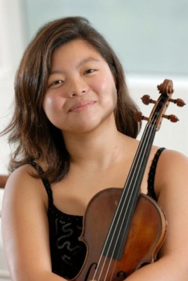 Yura Lee 2