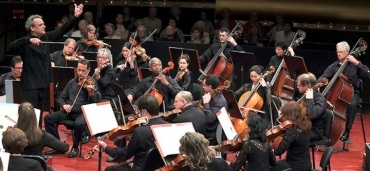 Louis Langree Mostly Mozart OrchestraNYT Hiroyuki Ito