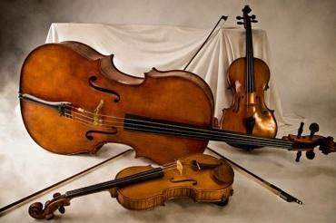 string trio violin, viola and cello