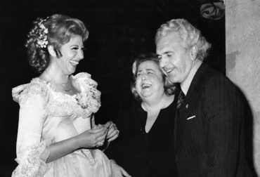 new york city opera in 1976 soprano Beverly Sills, stage director Sarah Caldwell and then-director Julius Rudel