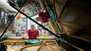 steinway piano inside