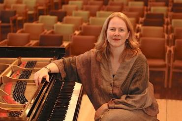 Kathryn Ananda-Owens, horizontal