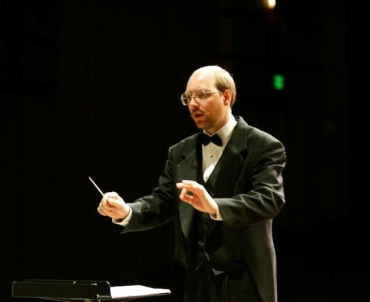 Steve Kurr conducting