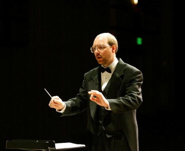 Steve Kurr conducting