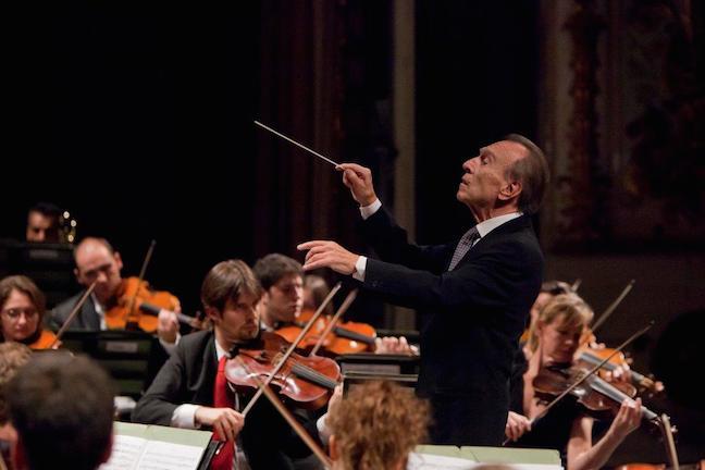 Claudio Abbado and Orchestra Mozart