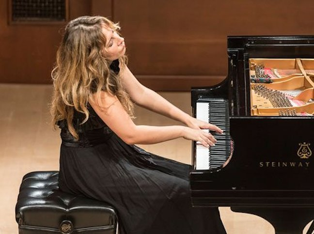 Ingrid Fliter playing