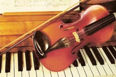 piano and violin accompanying