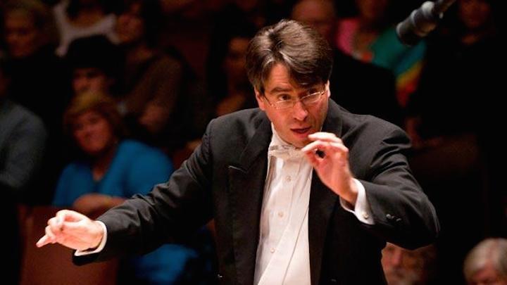 Julian Wachner conducting