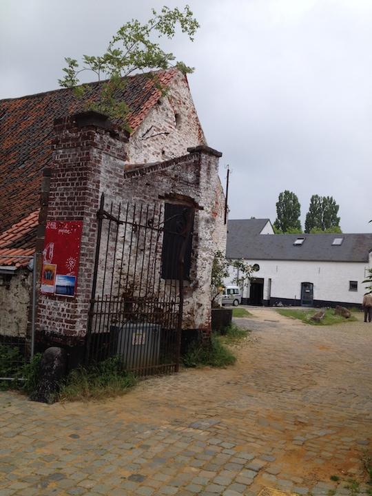 PAQ in Belgium farm hall etxerior 4 SS