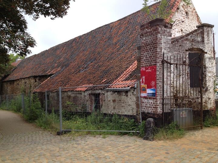 PAQ in Belgium farm hall exterior 3 SS