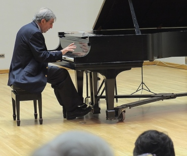Karp Memorial Malcolm Bilson plays Schubert