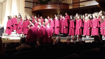 Middleton High School Concert Choir and Cantus together