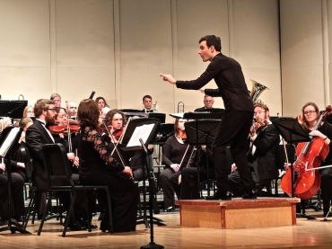 Kyle Knox conducts MCO