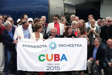 Minnesota Orchestra in Cuba with banner