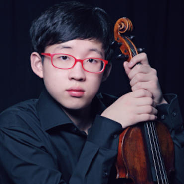 Julian Rhee with violin