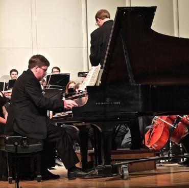 MCO Thomas Kasdorf plays Tchaikovsky
