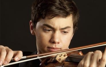 Benjamin Beilman close up playing