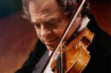 Itzhak Perlman playing closeup