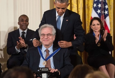 Izthak Perlman gets the Medal of Freedom