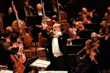 Kurt Masur with orchestra