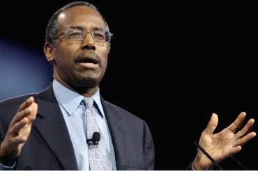 Dr. Benjamin Carson, director of Pediatric Neurosurgery at Johns Hopkins School of Medicine, speaks to the Conservative Political Action Conference (CPAC) in National Harbor, Maryland, March 16, 2013. REUTERS/Jonathan Ernst (UNITED STATES - Tags: POLITICS HEALTH) - RTR3F2WE