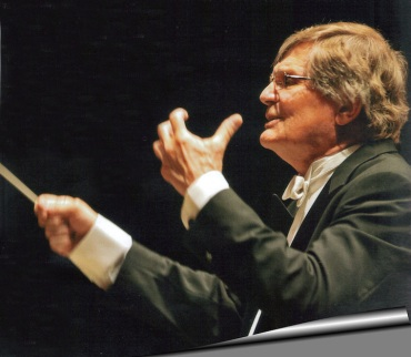 Joseph Flummerfelt conducting side