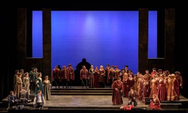 madison-opera-romeo-and-juliet-chrous-and-set