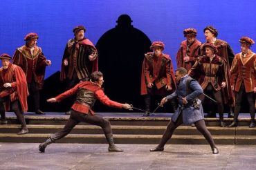madison-opera-romeo-and-juliet-sword-fight