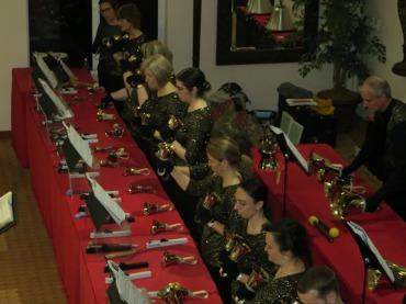 madison-area-concert-handbells-playing
